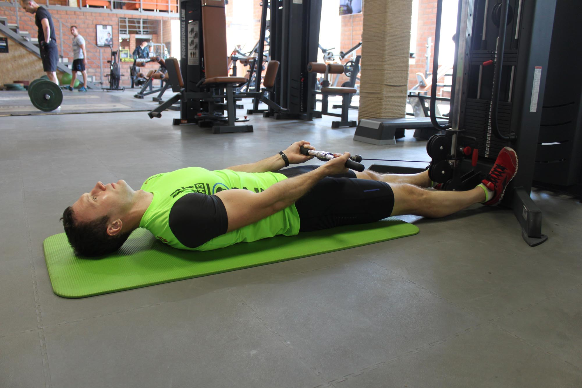 Exercise Lying Cable Curl