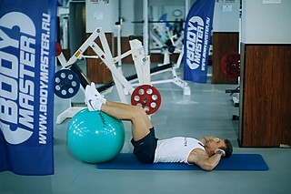 Crunch - Legs On Exercise Ball