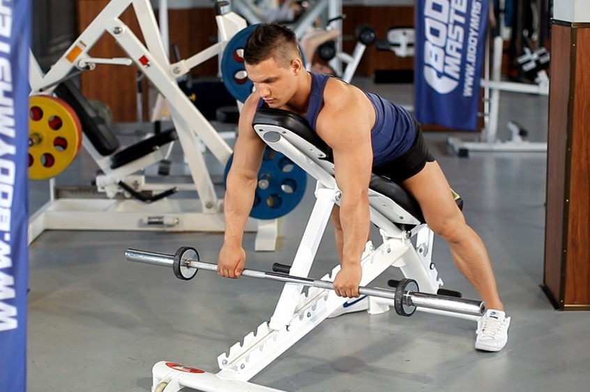 Exercise Incline Bench Pull