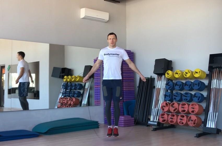 Упражнение Прыжки через скакалку