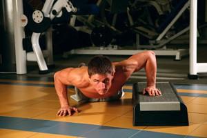 Exercise Отжимания на одной руке с подставкой