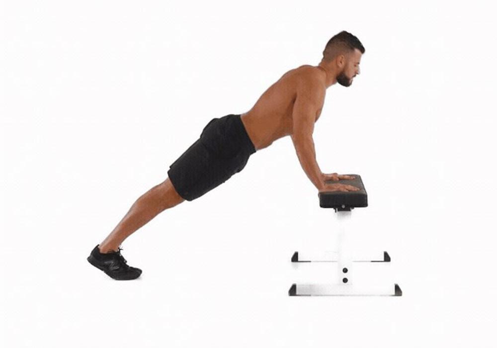 Упражнение Отжимания от скамьи