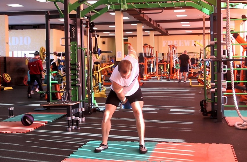 Exercise One-Arm Kettlebell Snatch