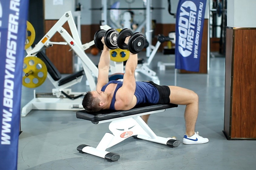 Exercise Dumbbell Bench Press