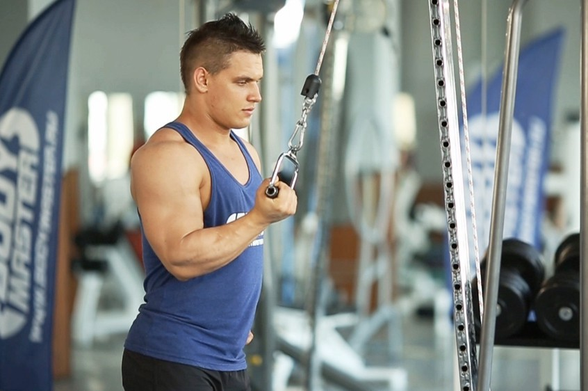 Exercise Cable One Arm Tricep Extension